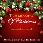 True Meaning of Christmas | The commercial aspect of the holidays almost destroys the true meaning of Christmas. In this episode, I want to share an easy way to bring Jesus to the front and center where He belongs! | #podcast #christianpodcast #Christmas